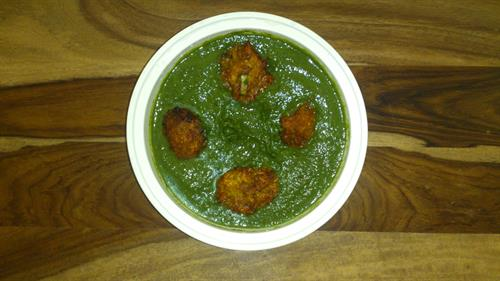 Lauki and gajjar kofta in palak methi gravy